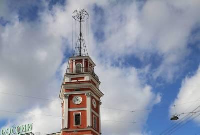 В Петербурге запустили часы на Думской башне