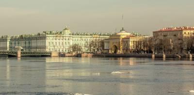 В 2021 году в Петербурге резко снизилось число иностранных туристов