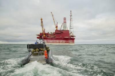 Северный флот отрабатывает задачи по защите экономической деятельности России