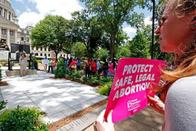 Администрация Байдена подаст в суд на штат Техас из-за закона об абортах