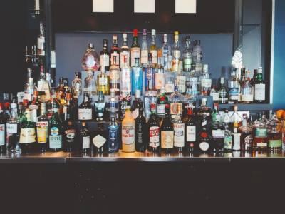В Петербурге осудили продавщицу за продажу алкоголя подростку